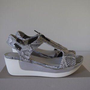 Kenneth Cole Women's Pepea T-Strap Platform Sandal